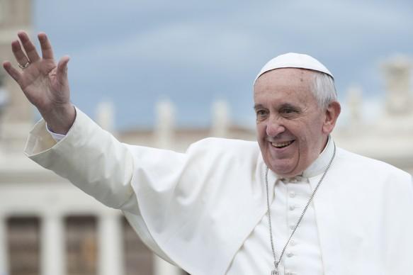 bigstock-pope-francis-blesses-faithful-56540873-583x388